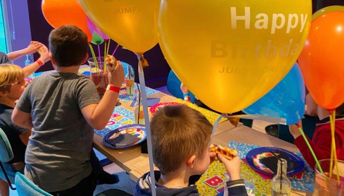 Verjaardagsfeestje bouwen in JumpWorld